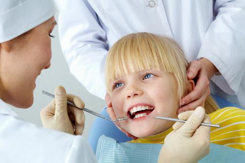 Điều trị tủy răng giá bao nhiêu 2
