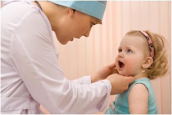 Trẻ em dùng chỉ nha khoa được không?