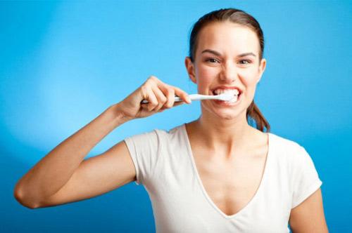 có nên đi hàn răng