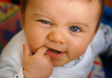 Nguyên nhân gây hôi miệng ở trẻ nhỏ và cách điều trị các mẹ nên biết