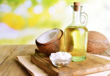 Trị hôi miệng bằng dầu dừa để bạn có hơi thở thơm mát